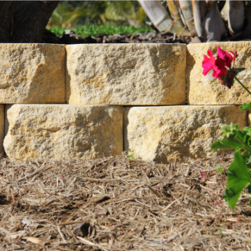 Sandstone_looking_Classic_Wall_garden_Edge_two_blocks_high