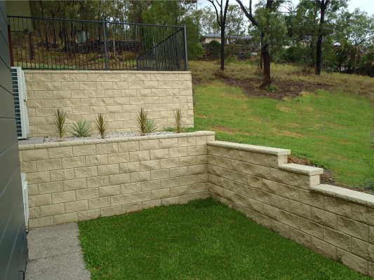 Double_level_retaining_wall_Ivory_creating_more_space