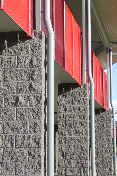 200mm_Series_Splitface_Masonry_Charcoal_used_as_a_Feature_Column_at_a_School_in_Maryborough