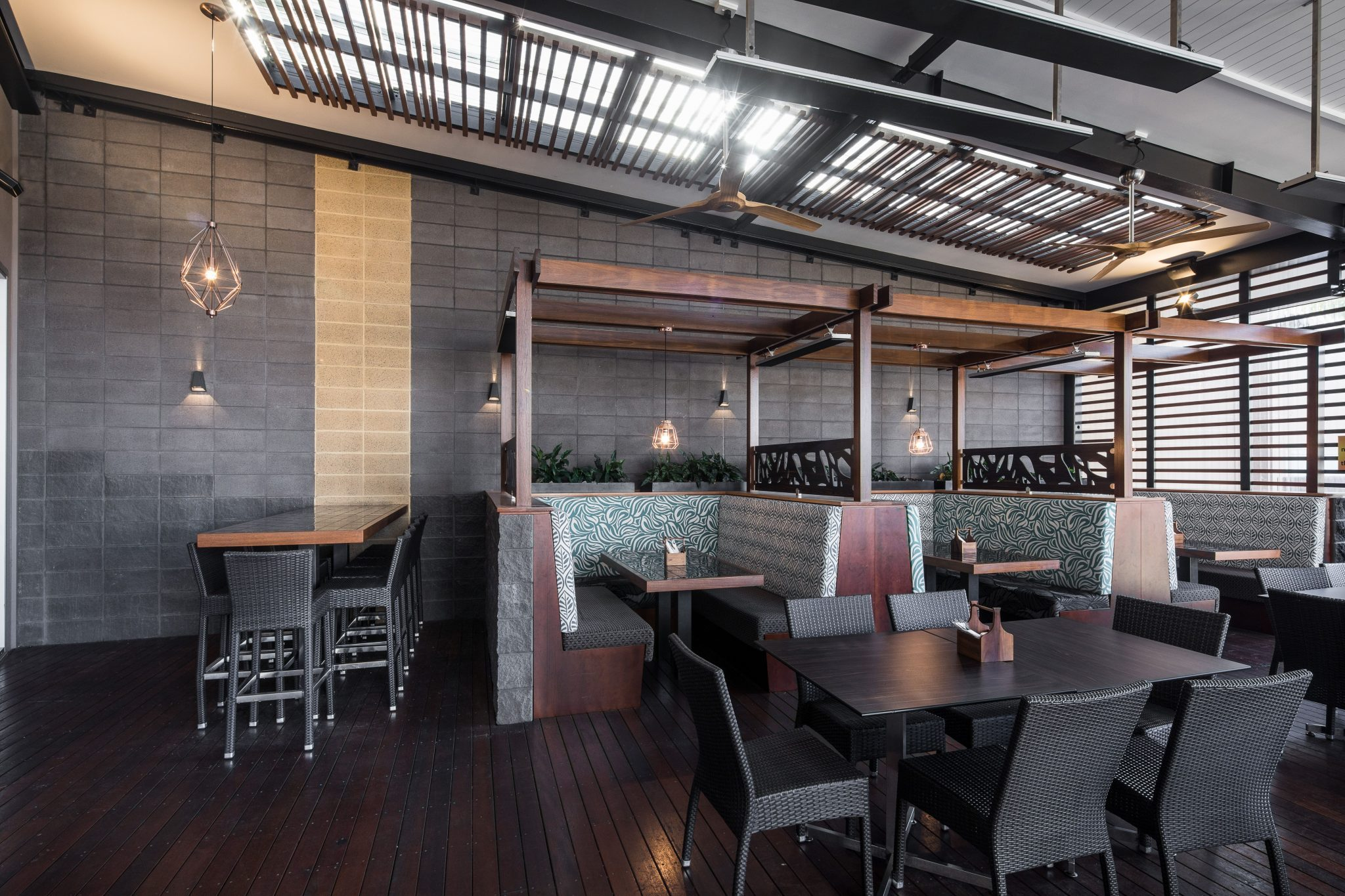 Refurbished_restaurant_setting_at_the_Golden_Beach_Tavern_incorporating_stunning_Architectural_Coloured_Masonry_feature_walls