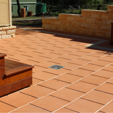 Paved_area_in_stretcher_bond_pattern_a_durable_and_adaptable_option