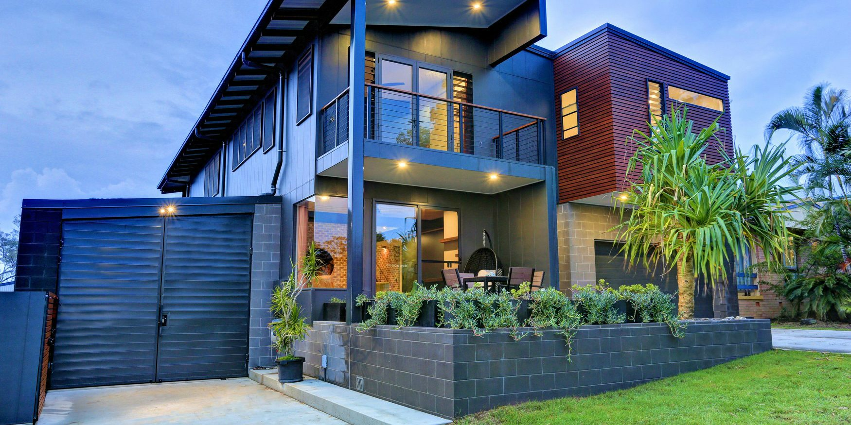Architectural_block_in_charcoal_as_feature_walls_and_garden_beds_for_a_residential_home